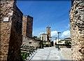 Las murallas y la Iglesia de Santa María del Castillo.JPG