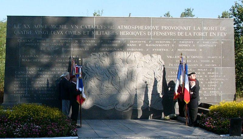 File:Le monument.JPG