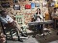 Lilián Saba y el guitarrista Juan Falú en Resistencia (Chaco. 27-08-2015), sonríe (cropped).jpg