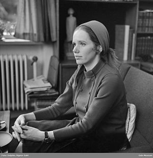 Shame (1968 film) - Liv Ullmann's performance was praised by Pauline Kael and she received the Guldbagge Award for Best Actress.