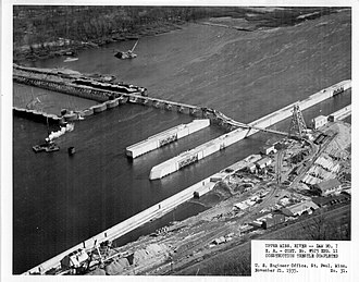 Lock and Dam No. 7 - Image: Lock and dam 7 construction aerial