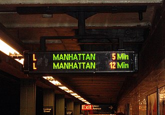 L (New York City Subway service) - Countdown clock at the Lorimer Street station