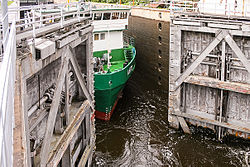 Lower gate of Mustela Lock on the Saimaa Canal.jpg