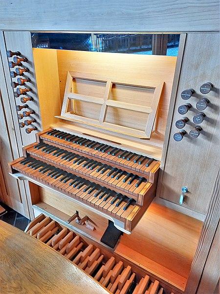 Datei:München-Neuperlach, Lätarekirche (WRK-Orgel) (6).jpg