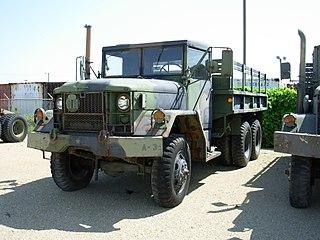 M35 series 2½-ton 6×6 cargo truck Type of 21⁄2-ton (2,268kg) 6×6 cargo truck