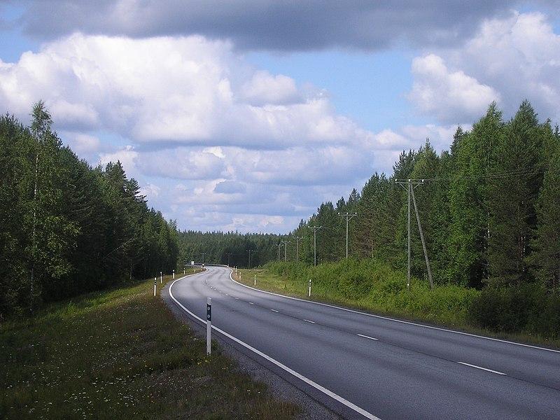 File:Main road 23 in Keuruu.jpg