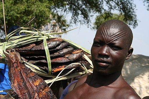 Mandari fisherman, South Sudan, August 2010 (8379215187)