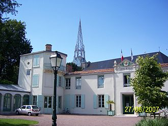 Marans, Charente-Maritime - Town hall and church steeple