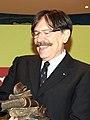 Marcano entrega al actor Josep Maria Flotats el Premio Mayte de Teatro de Cantabria (cropped).jpg