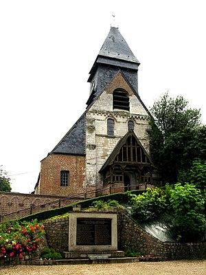 Mareuil-Caubert - Image: Mareuil Caubert église et monument aux morts 1