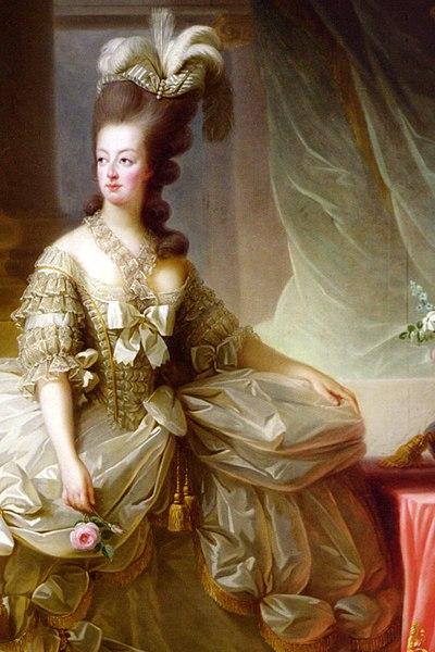 Marie-Antoinette en robe de cour 1778.jpg