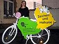 Michaela Hanemann 2012 beim Atelierrundgang Lister Künstler, mit Fahrrad Atelier 3A, Zeichen- und Malkurse, Podbielskistraße 3A Hannover, kreativauftrag.jpg