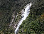 Milford Sound Waterfall 4 (31260639270).jpg