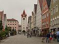 Mindelheim, straatzicht Maximilianstrasse met de Unteres Tor Dm=D-7-78-173-103 foto2 2014-07-29 08.49.jpg