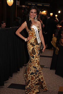 Miss Indonesia 08 Sandra Angelia.jpg
