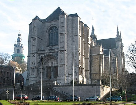 The Saint Waltrude Collegiate Church and the belfry. Mons JPG01.jpg