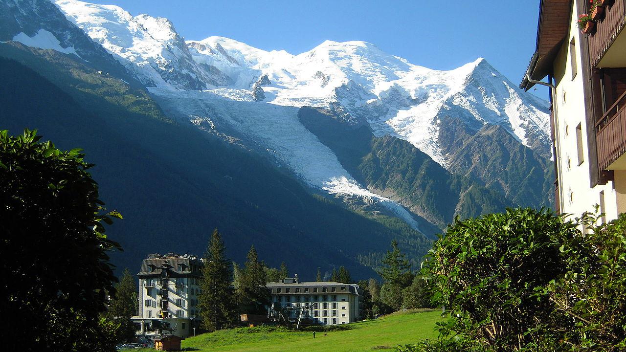 Macizo del Mont Blanc, visto desde Chamonix.