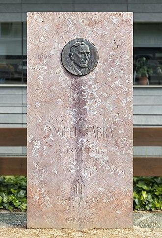 Pompeu Fabra - Monument to Pompeu Fabra in Badalona.