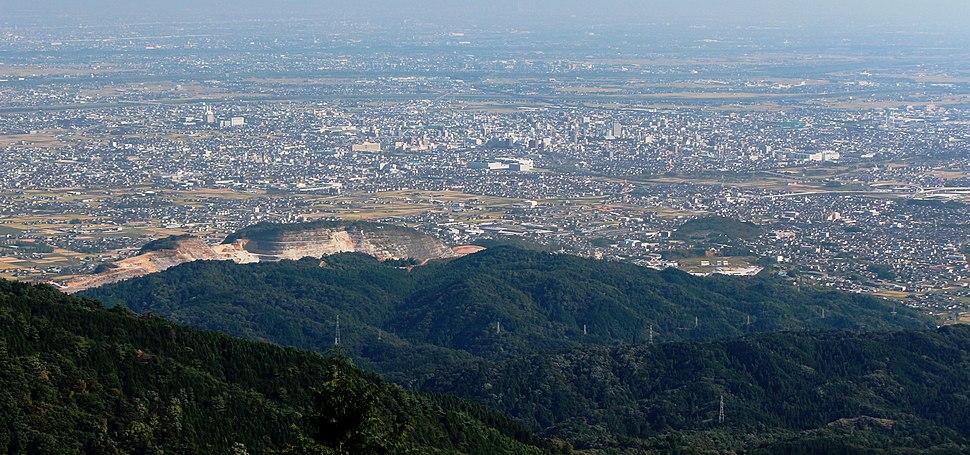 Mount Kinshō from Mount Ikeda