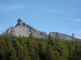 Mount Thielsen from near Diamond Lake.jpg