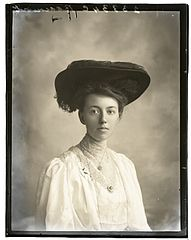 Mrs M Beaumont, 26 Oct (1906) (16555655096).jpg