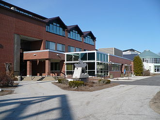 NHTI, Concord's Community College - Sweeney Hall as it appeared in 2008, with the NHTI Bistro below it and the Student Center to the right.