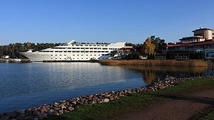 Naantali Spa and yacht 2009-10-07.JPG