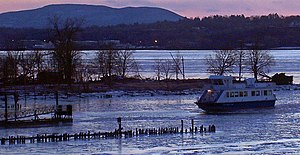 Newburgh–Beacon Ferry - Ferry approaching Beacon terminal in winter.