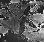 Northwestern Glacier, terminus of tidewater glacier, firn line, and bergschrund on feeder glaciers, August 27, 1963 (GLACIERS 6689).jpg