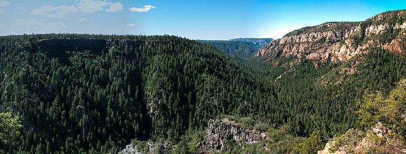 File:Oak Creek Canyon (30027001460).jpg