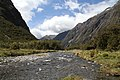 On the way to Milford Sound 11 (31486012032).jpg