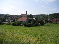Ortskern-illschwang-mit-kirche.jpg