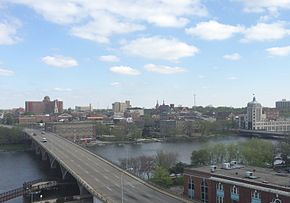 Overview of eastern downtown Rockford.jpg