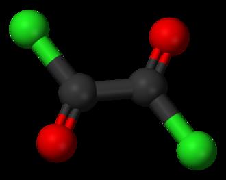 Oxalyl chloride - Image: Oxalyl chloride 3D balls