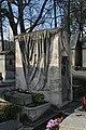 Père-Lachaise - Division 1 - tombe Arnoult 01.jpg
