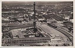 Ausstellungshallen am Funkturm, N.N., CC0, via Wikimedia Commons