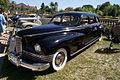 Packard Super Clipper 1947 LSideFront Lake Mirror Cassic 16Oct2010 (14690650227).jpg