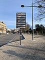 Panneau des jumelages (avenue Gambetta) à Valence et l'avenue elle-même.jpg