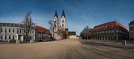 Panorama HalberstaedterDom 01 DSC01338 ER PtrQs.jpg