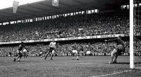 Pelé goal 1958 WC final (cropped).jpg