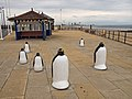Penguin sculpture, Coatham - geograph.org.uk - 1371781.jpg