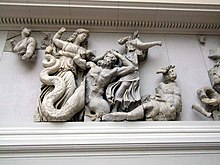Dettaglio del fregio della gigantomachia dell'Altare di Pergamo
