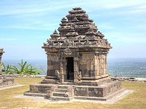 Ijo Temple - One of three perwara temples.