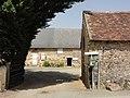 Pezé-le-Robert (Sarthe) ferme Le prieuré.jpg