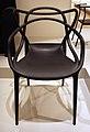 Philippe starck per kartell spa, sedia louis ghost, 2002.jpg