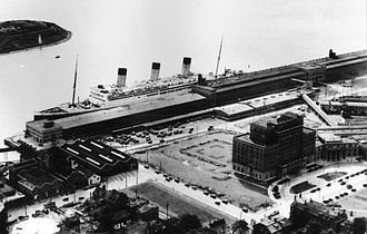 Pier 21 - Pier 21 in 1934 with RMS Majestic
