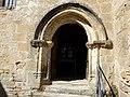 Plazac église portail sud-est.jpg