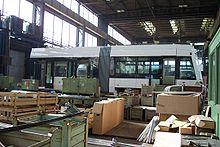 Una semicassa in costruzione nello stabilimento della Škoda Transportation a Plze?