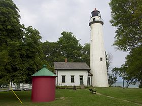 Pointe aux Barques Light and Oil House.jpg