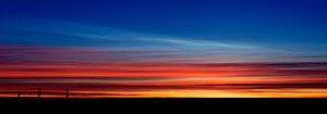 Polar stratospheric cloud - Image: Polar Stratospheric Cloud type I above Cirrus
